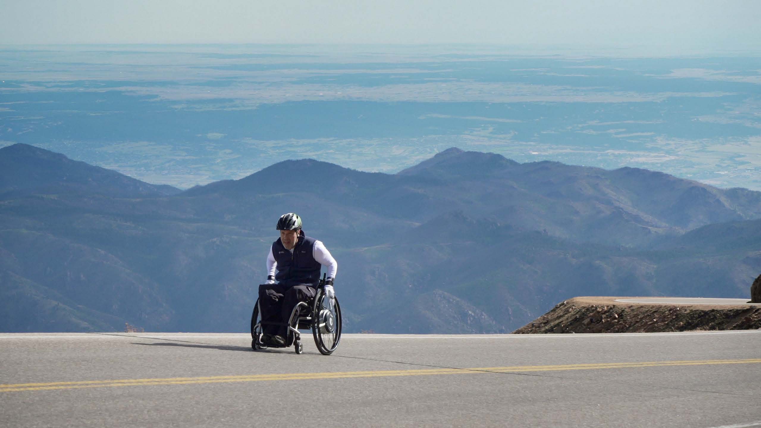 Dr. Glen House and his NAVIONE<sup>®</sup> Wheels Conquer Pikes Peak Challenge
